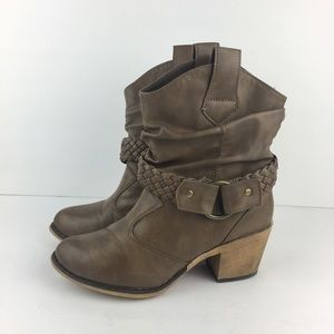 Charles Albert Brown Boots Size 7